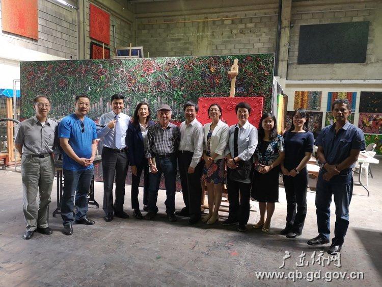 图5:拜访哥斯达黎加著名华人画家吴广威.jpg