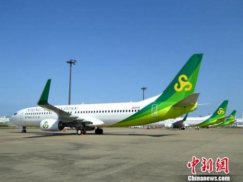 中国侨网多架飞机停在机场上(资料图)。 通讯员 摄